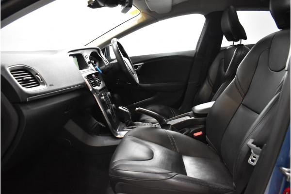 2015 Volvo V40 (No Series) MY16 D4 Luxury Hatchback Image 4