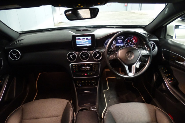 2014 Mercedes-Benz A-class A180 9 of 20