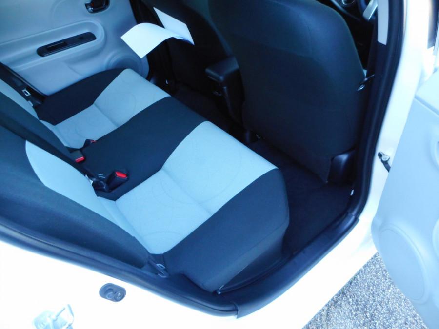 2013 MY12 Toyota Prius Image 12