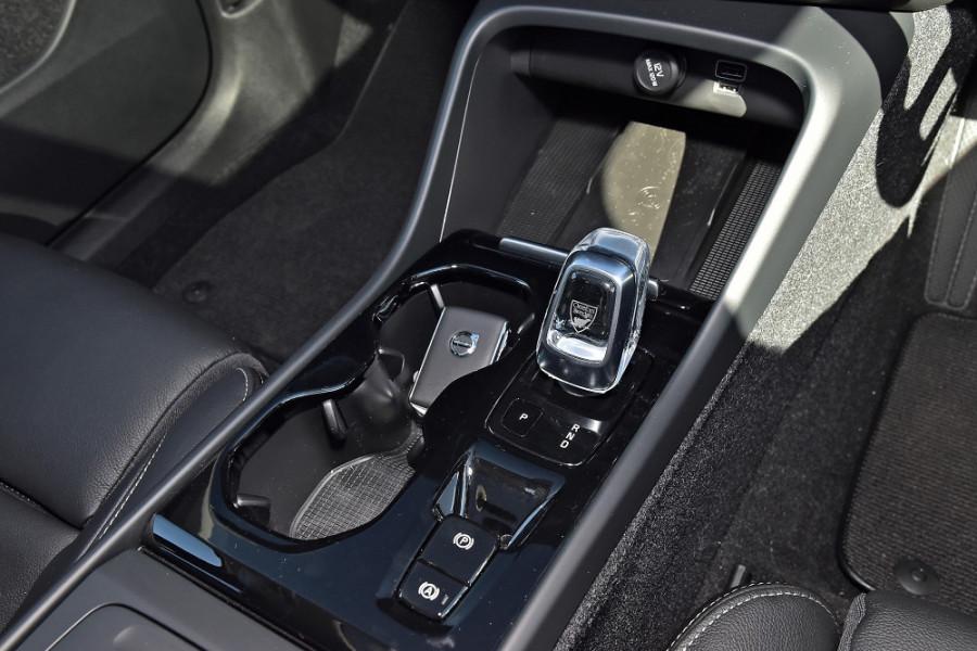 2019 Volvo XC40 XZ T4 Inscription Suv Mobile Image 18