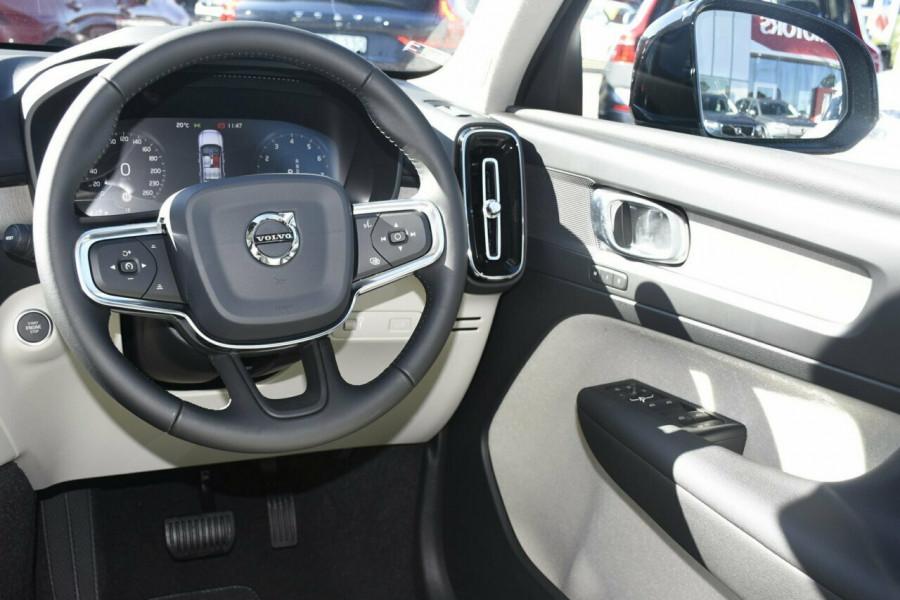 2019 Volvo XC40 T4 Inscription Suv Mobile Image 7