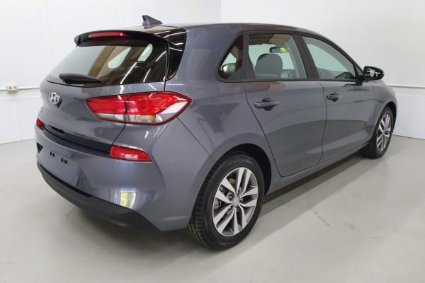 2019 Hyundai i30 PD2 Active Hatchback Image 2