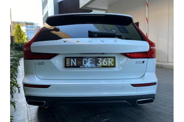 2022 MYon Volvo V60 B5 Cross Country Wagon Image 5