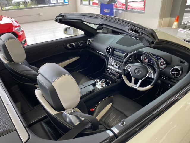 2015 Mercedes-Benz Sl-class R231 SL500 Roadster Image 12