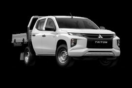 Mitsubishi Triton GLX Double Cab Chassis 4WD MR