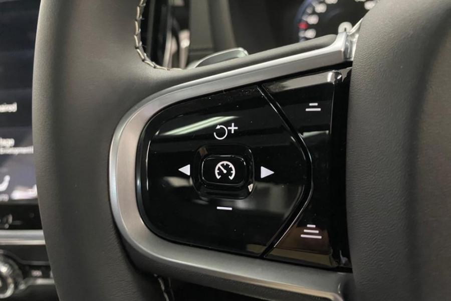 2020 Volvo S60 Z Series T5 R-Design Sedan Image 17