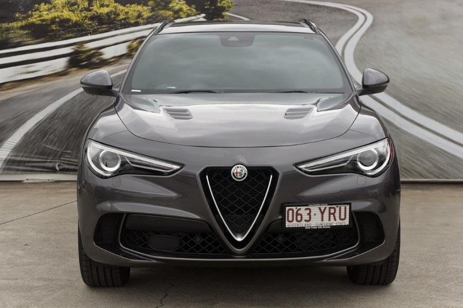 2018 MY19 Alfa Romeo Stelvio Quadrifoglio Quadrifoglio Wagon Mobile Image 2