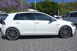 2017 MY18 Volkswagen Golf 7.5 R Hatchback