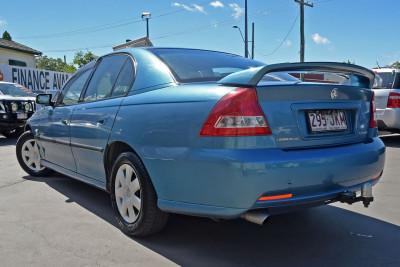 2005 Holden Commodore VZ Executive Sedan Image 3