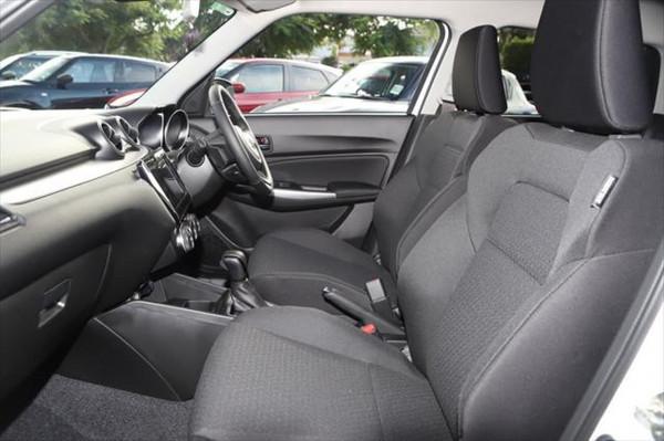 2020 Suzuki Swift AZ GLX Hatchback image 9