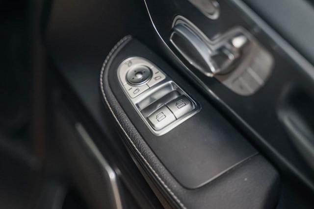 2017 Mercedes-Benz V-class 447 V250 d Avantgarde Wagon Image 13