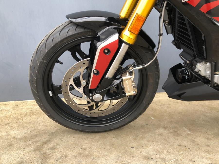 2020 BMW G 310 R Motorcycle Image 16