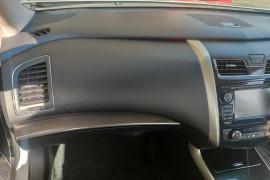 2014 Nissan Altima L33 ST-L Sedan Mobile Image 10