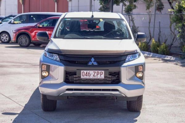 2019 Mitsubishi Triton MR MY19 GLX Plus (4x4) Double cab pick up Image 3