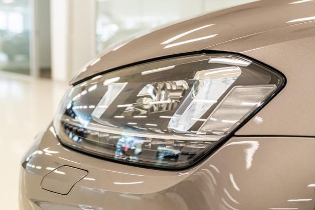 2016 Volkswagen Golf 7 R Hatchback Image 11