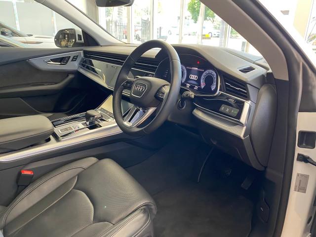 2019 Audi Q8 4M MY19 55 TFSI Suv Image 16