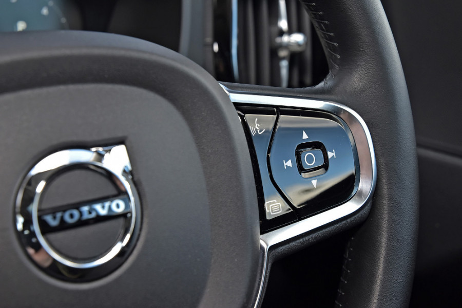 2019 Volvo XC60 UZ D4 Inscription Suv Mobile Image 22