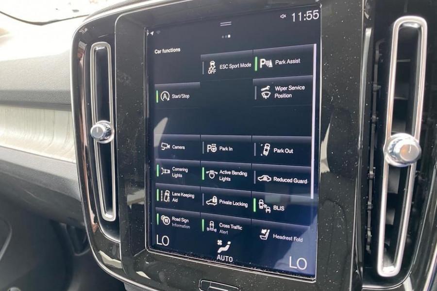 2020 Volvo XC40 XZ T4 Inscription Suv Mobile Image 6