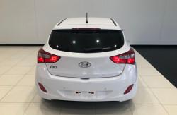 2015 Hyundai i30 GD2 Active Hatchback Image 5