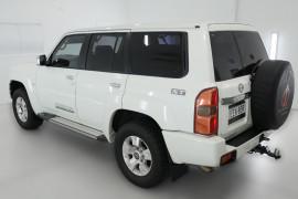 2013 Nissan Patrol Y61 GU 8 ST Suv Image 4