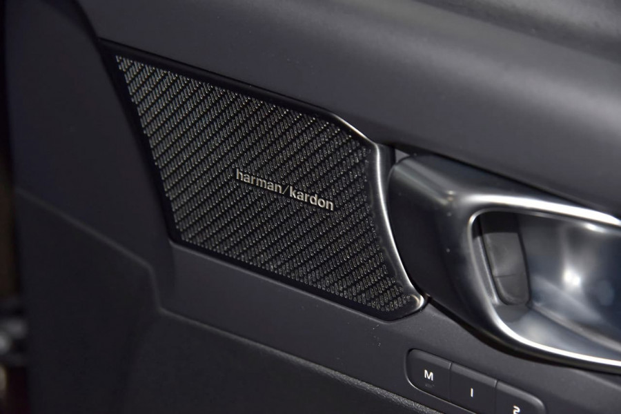 2021 Volvo XC40 XZ T5 Recharge PHEV Suv Image 8