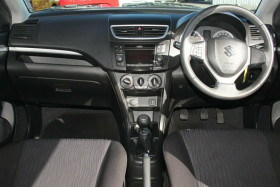 2011 Suzuki Swift FZ GL Hatchback