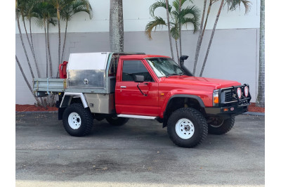 1998 Nissan Patrol GQ ST Cab chassis Image 2