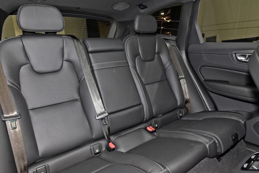 2020 Volvo XC60 UZ T6 R-Design Suv Mobile Image 10
