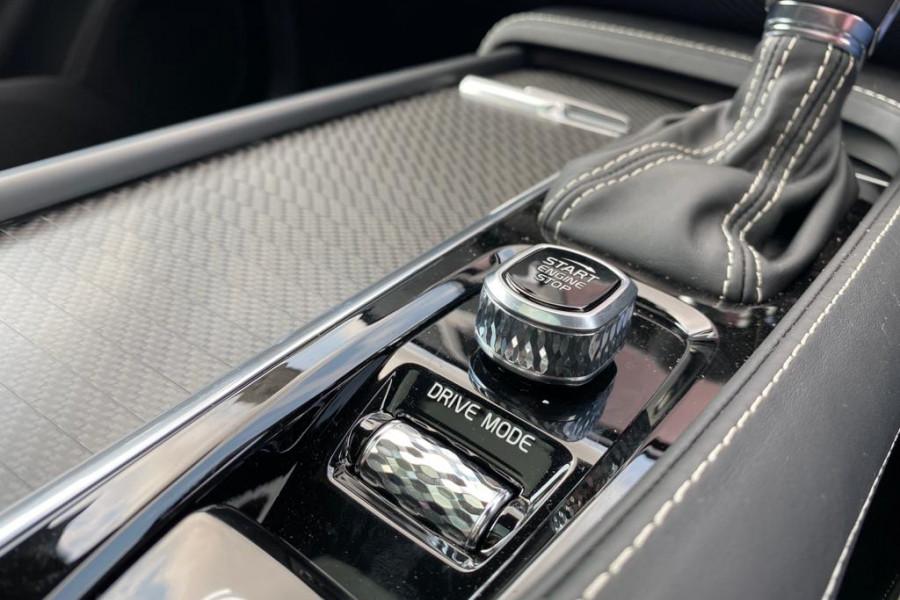 2020 Volvo XC90 L Series T6 R-Design Suv Image 18