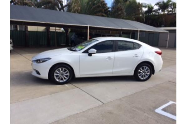 2017 Mazda 3 BN5278 Touring Sedan Image 5
