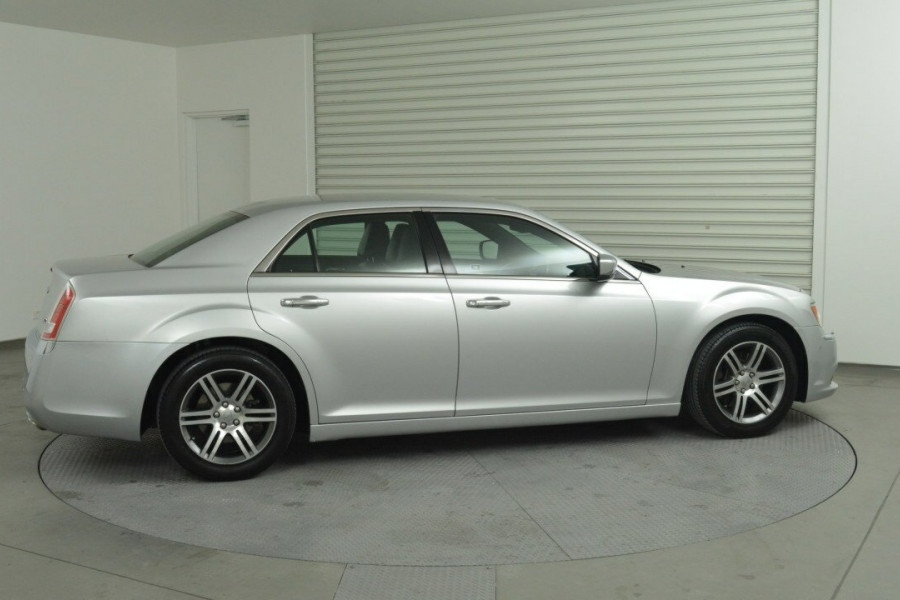 2013 Chrysler 300 LX C Sedan Mobile Image 2