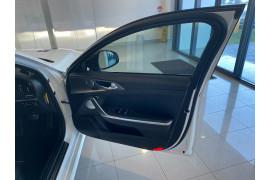 2017 MY18 Kia Stinger CK MY18 GT Sedan Image 5