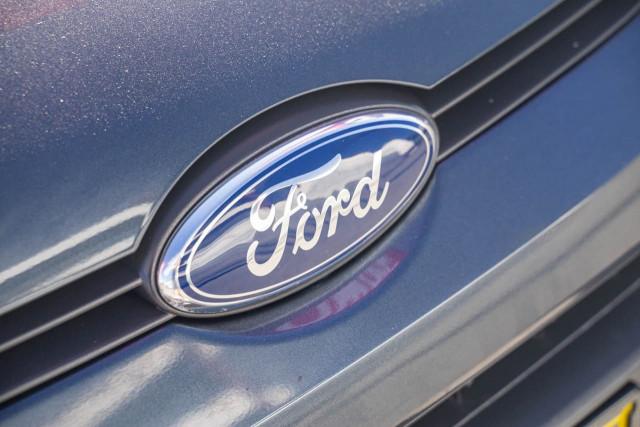 2012 Ford Fiesta WT CL Hatchback Image 15