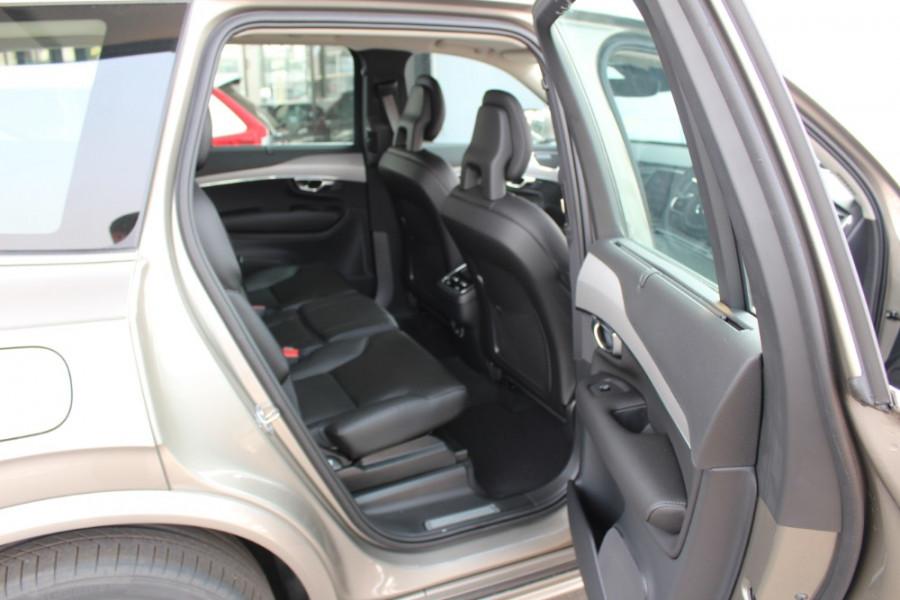 2019 MY20 Volvo XC90 L Series T6 Momentum Suv Mobile Image 23