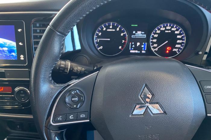 2018 MY19 Mitsubishi Outlander ZL MY19 ES Suv Image 21