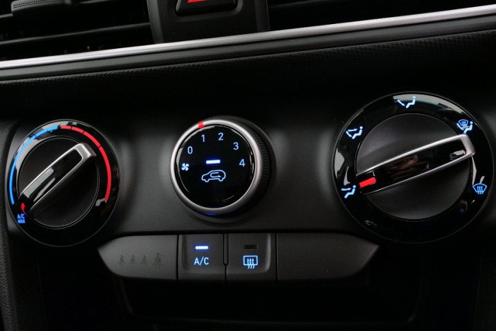2017 MY18 Hyundai Kona OS Active Suv Image 11