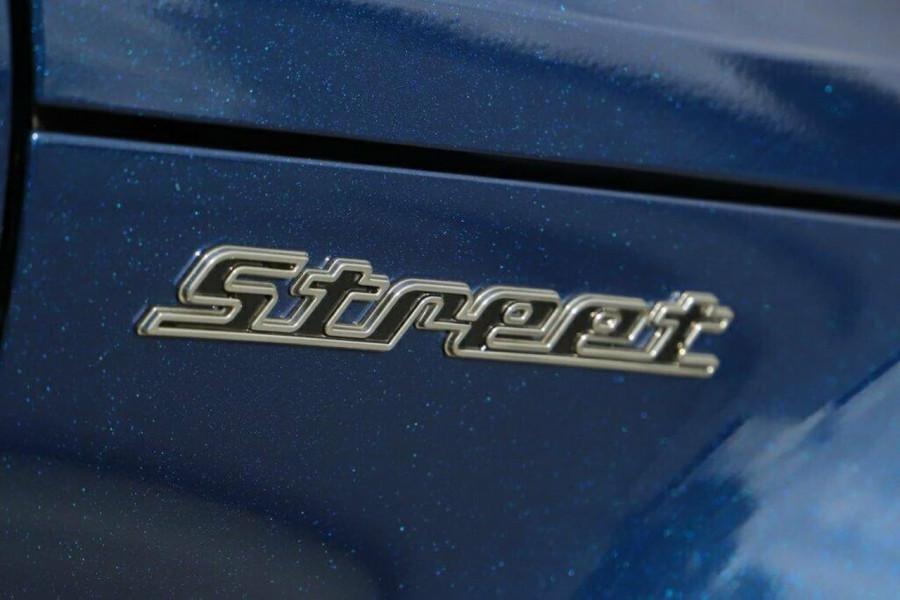 2016 Hyundai Veloster FS5 Series II Street Hatchback Image 10