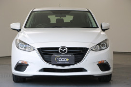 2015 Mazda 3 BM5476 Neo Hatchback Image 2