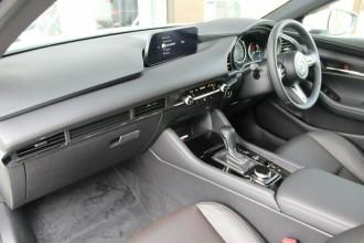 2021 Mazda 3 BP G20 Touring Hatchback image 15