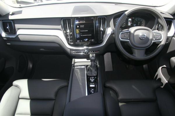 2020 MY21 Volvo XC90 256 MY21 T6 Momentum (AWD) Suv Image 5