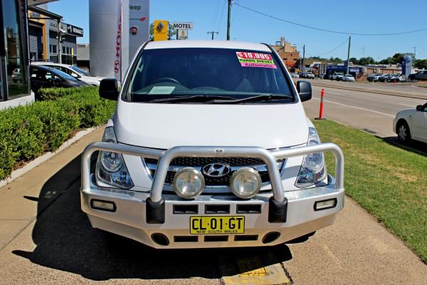 2013 Hyundai Imax TQ-W  Wagon