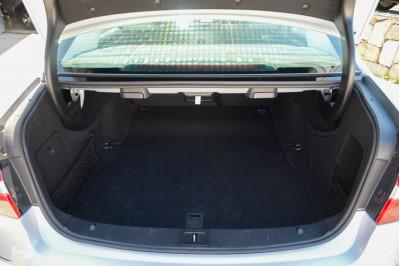 2010 Mercedes-Benz E-class W212 E250 CGI Avantgarde Sedan Image 5