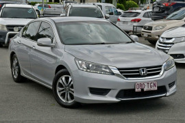 Honda Accord VTi 8th Gen
