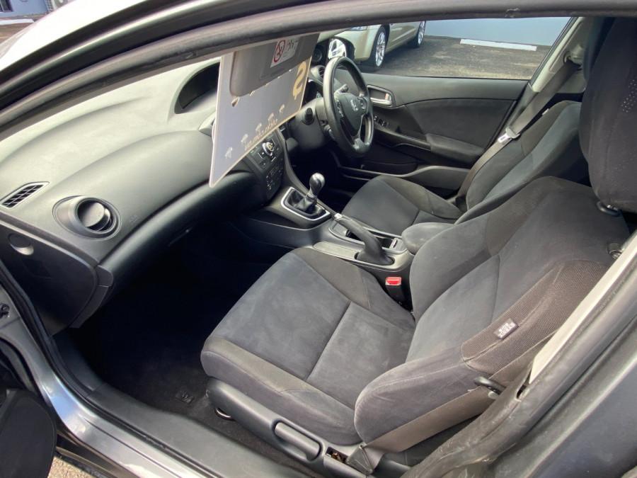 2013 Honda Civic 9th Gen  VTi-S Hatchback Image 15