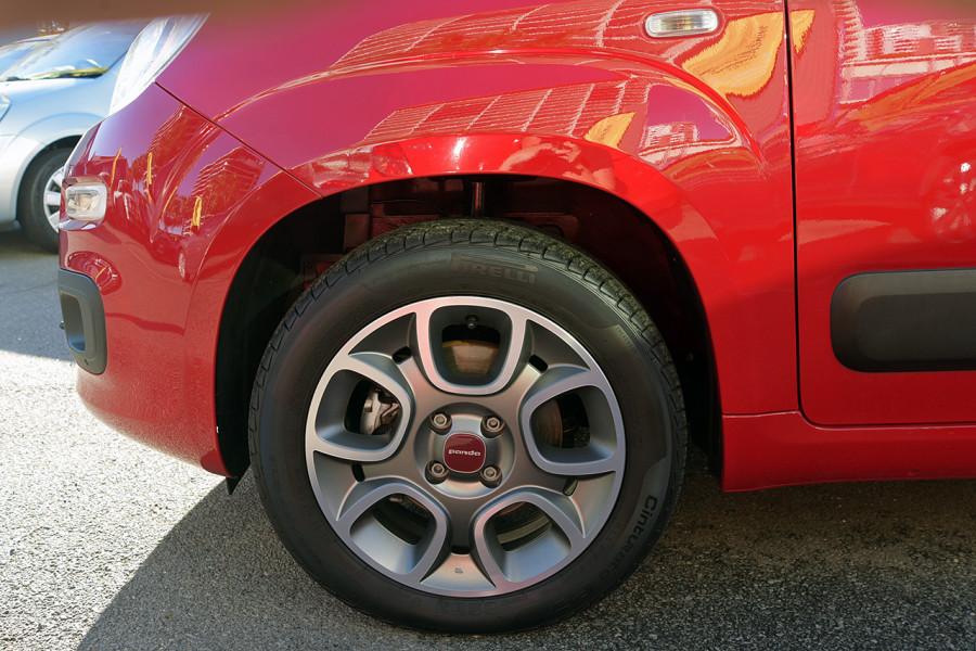 2013 Fiat Panda 150 Lounge Hatchback Mobile Image 6