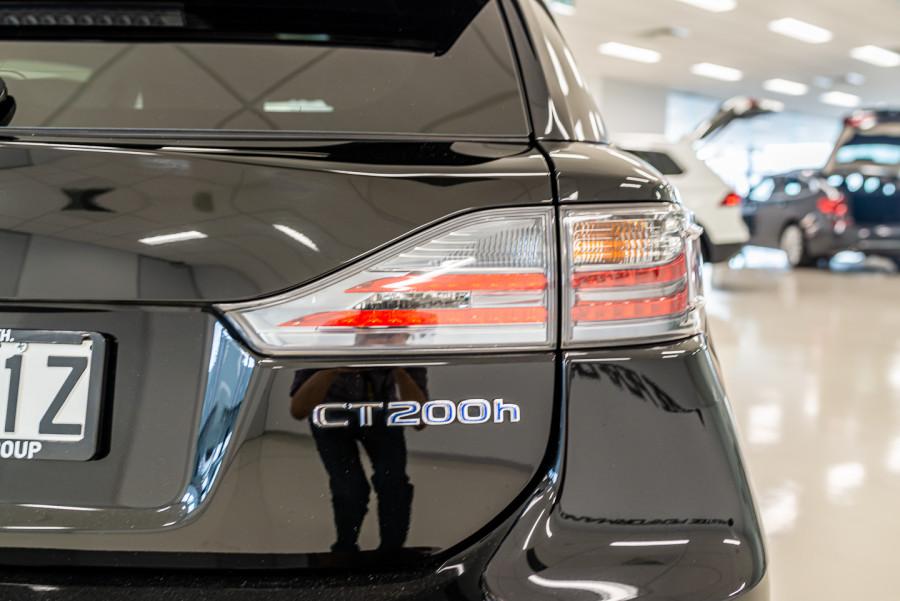 2016 Lexus Ct Hatchback Image 12
