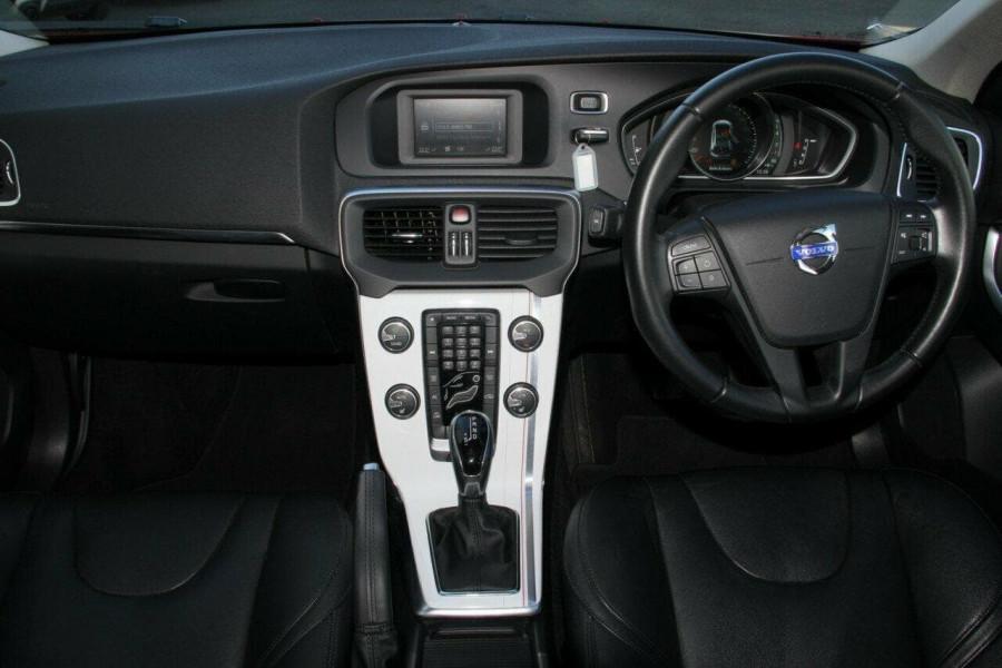2014 MY15 Volvo V40 (No Series) MY15 T4 Kinetic Hatchback Mobile Image 3