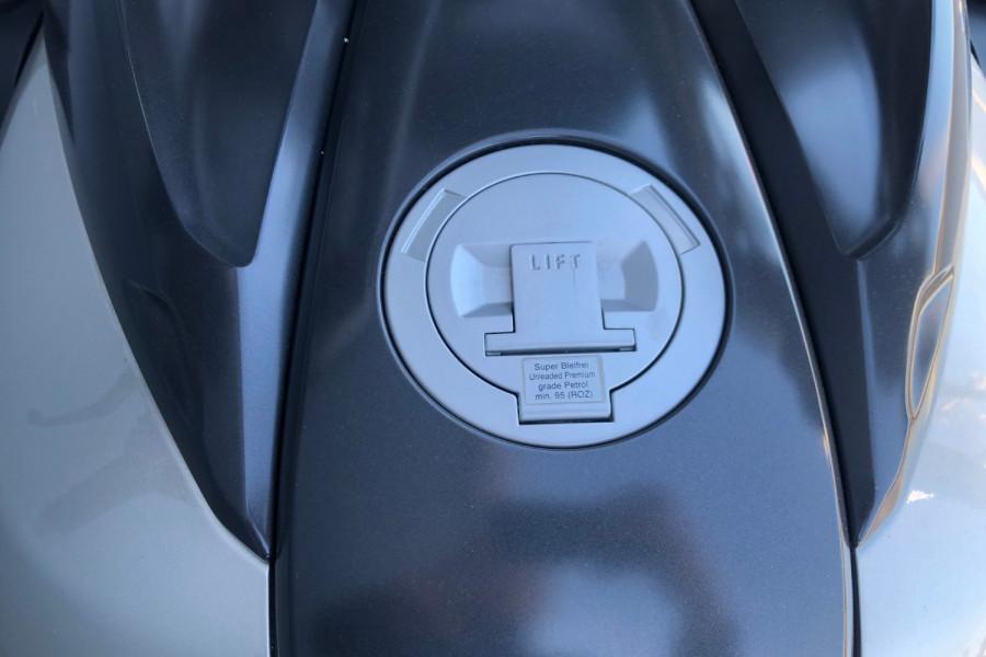 2011 BMW K1600 GTL Motorcycle Image 28