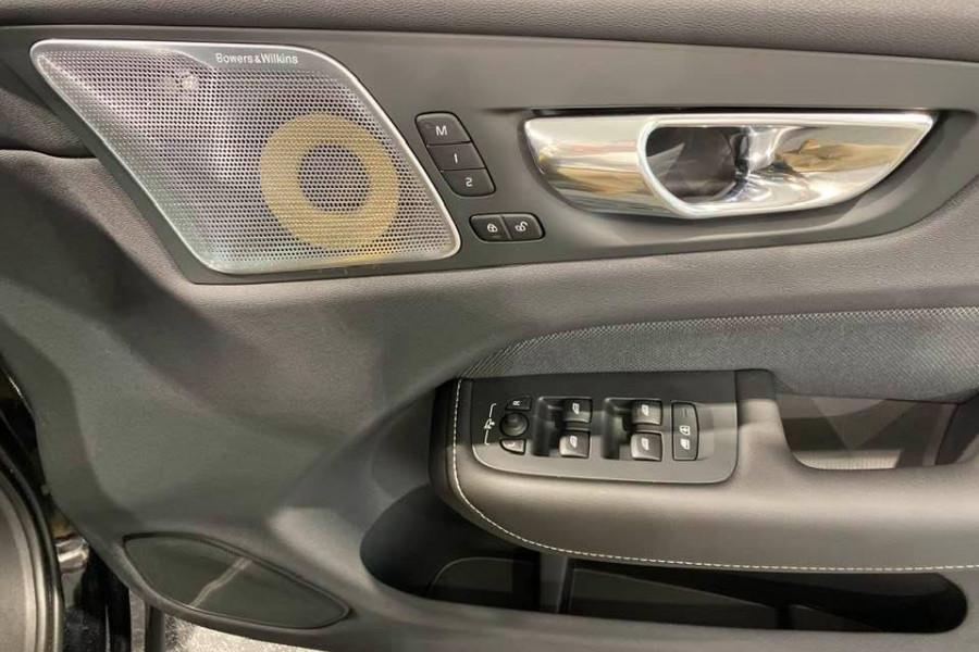 2020 Volvo XC60 T8 Polestar 2.0L T/P 235kW 8AT Suv Mobile Image 10