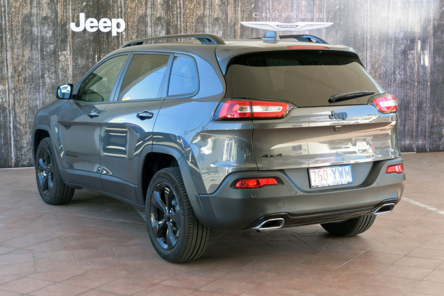 2017 MY18 Jeep Cherokee KL Night Eagle Suv Mobile Image 4